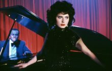 مروری بر فیلم مخمل آبی Blue Velvet  یکی از بهترین فیلمهای دیوید لینچ