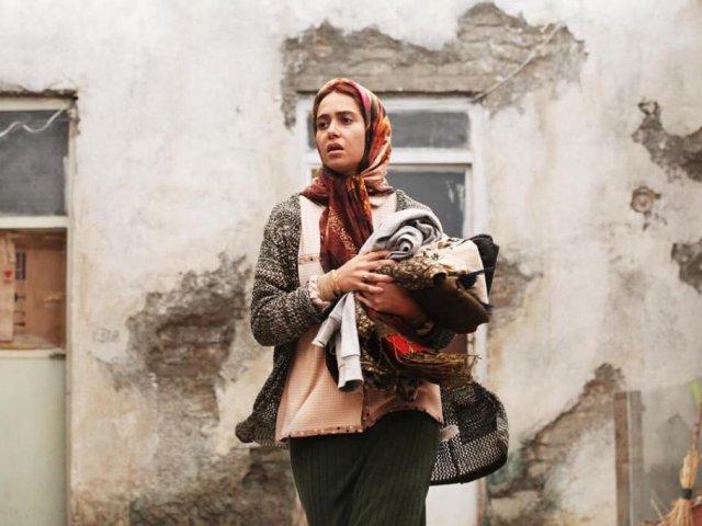 پریناز ایزدیار نامزد بهترین بازیگر زن برای ابد و یک روز
