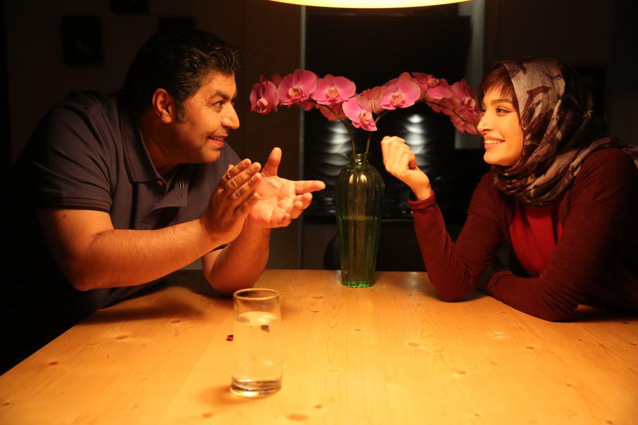 نقد فیلم «زیر سقف دودی»: قبل از ازدواج ببینید!
