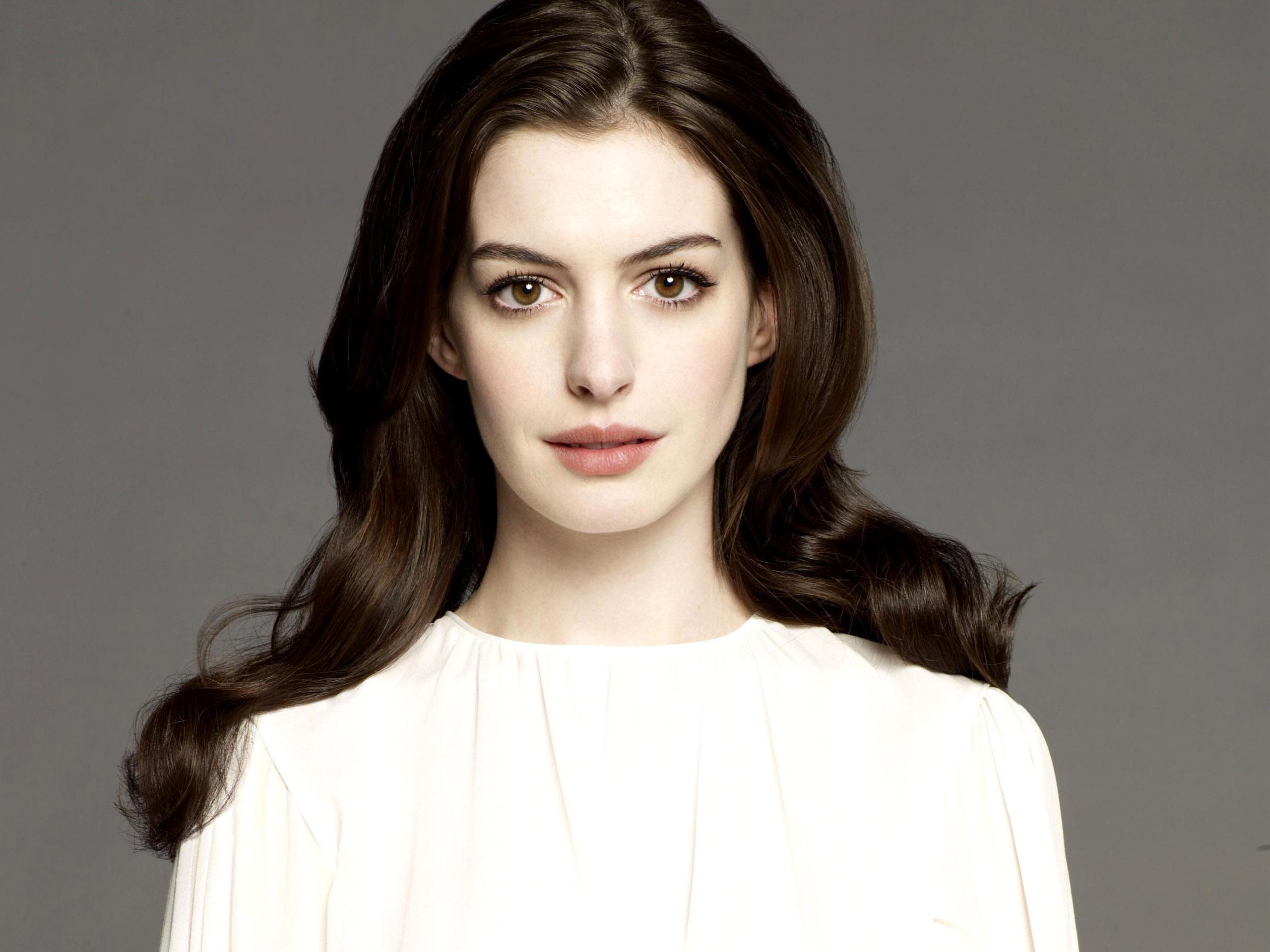 ان هتوی Anne Hathaway بهجای ایمی شومر Amy Schumer در فیلم «باربی» بازی خواهد کرد