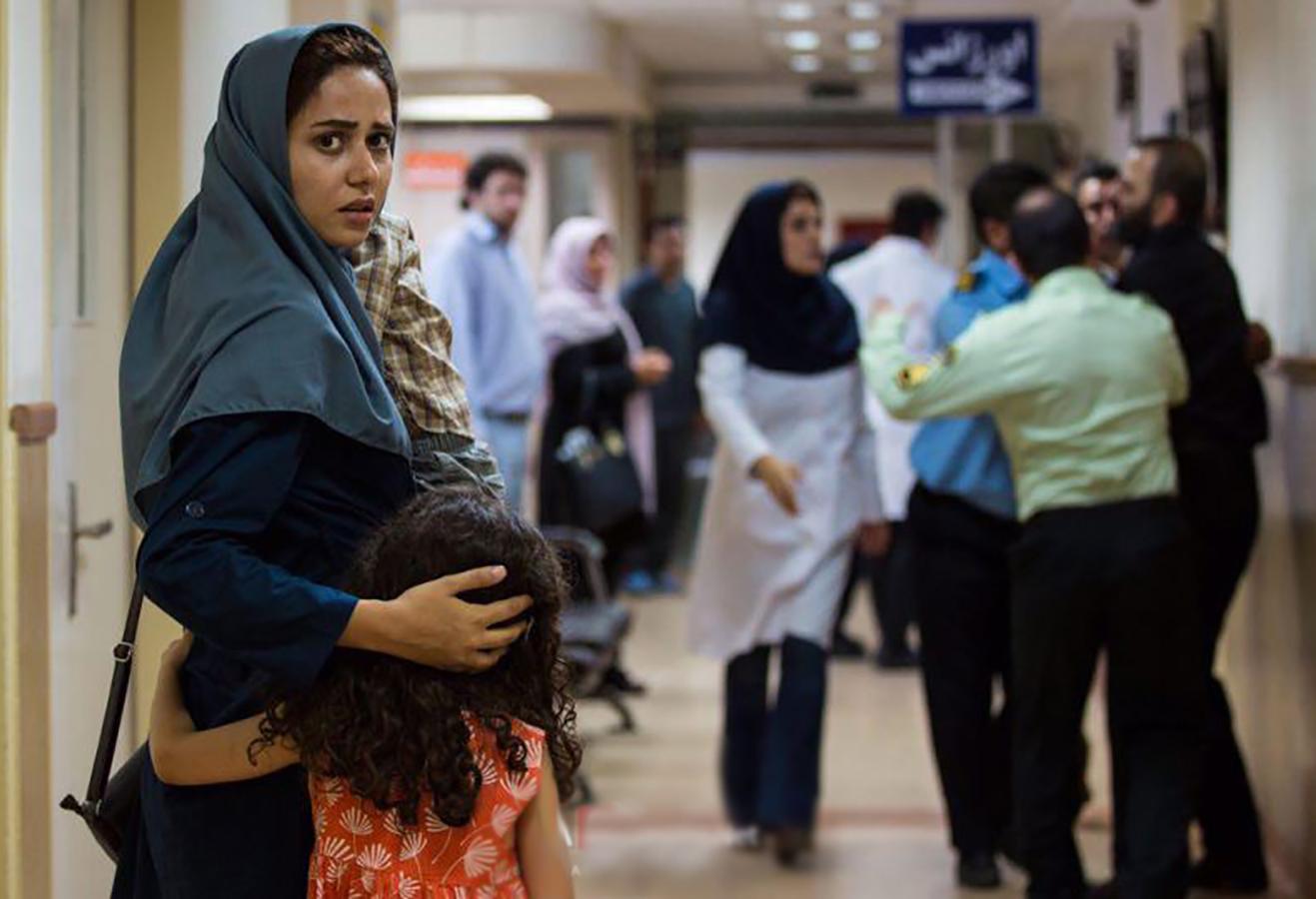 بررسی فیلم «تابستان داغ»: خلاصه ای از ده سال سینمای ایران