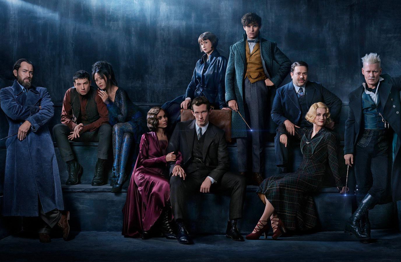 Fantastic Beasts: عکسهای جدیدی از گریندلوالد با بازی جانی دپ و جود لا در نقش دامبلدور