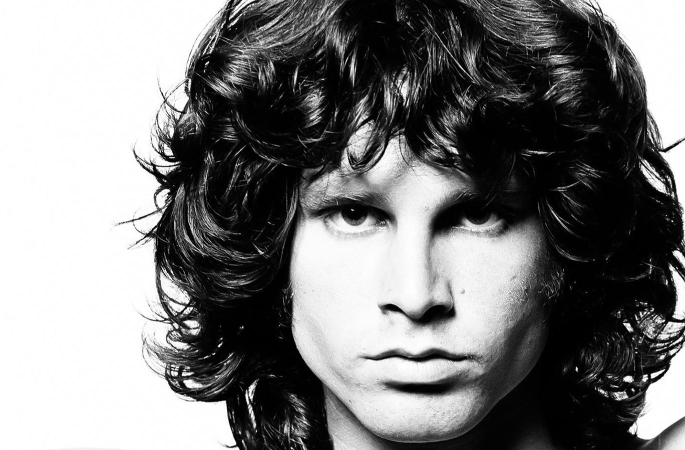 بیوگرافی جیم موریسون خواننده، شاعر و ترانه نویس گروه Doors