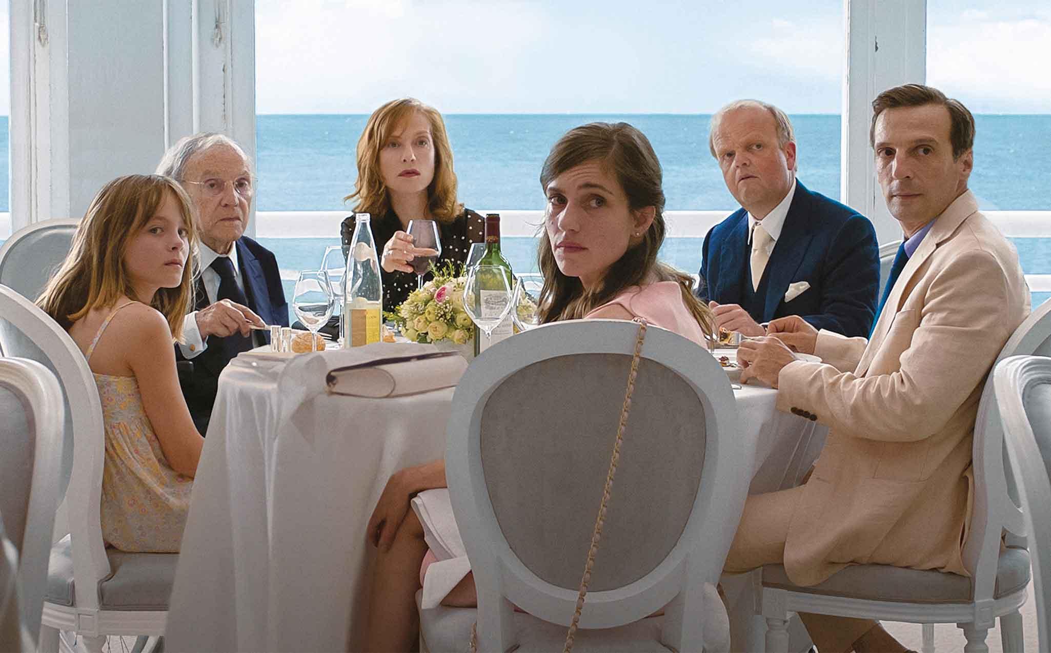 نقد و بررسی فیلم Happy End فیلمی کمدی-روانکاوانه از میشائیل هانکه