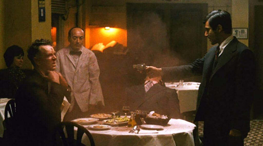 صحنه تیراندازی در رستوران - پدرخوانده 1