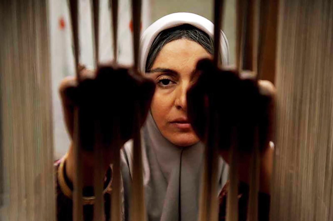 بررسی فیلم «شیار 143»: سیمای زنی در میان جمع