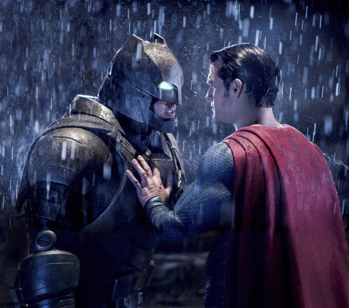 بتمن در برابر سوپرمن: طلوع عدالت  تأثیر گرفته از شوالیه تاریکی