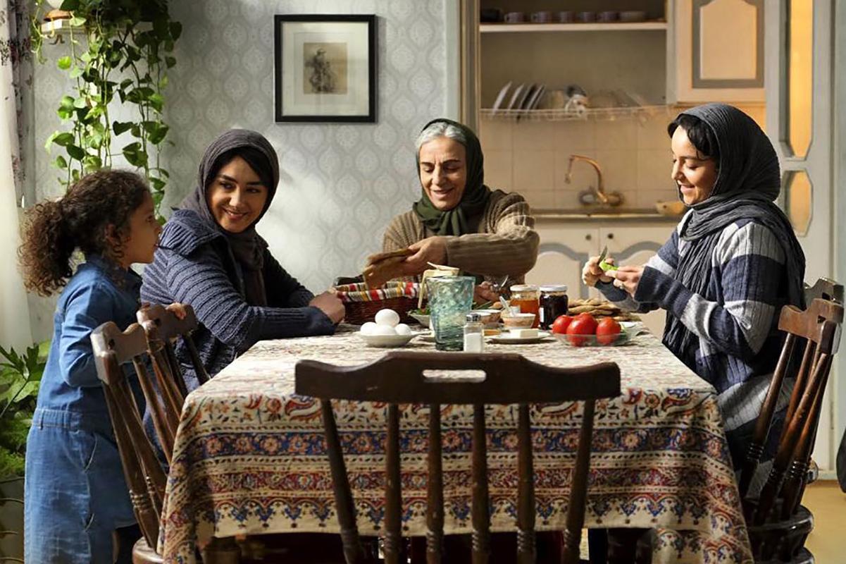 بررسی فیلم «مادری»: خواهران غریب