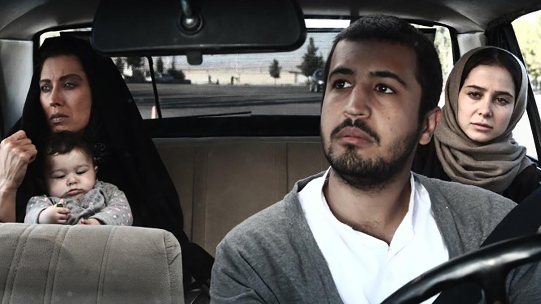 بررسی فیلم «ناخواسته»: یک درام جاده ای جذاب