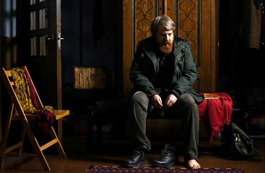 بررسی فیلم «رضا»: عشق در روزهای تنهایی