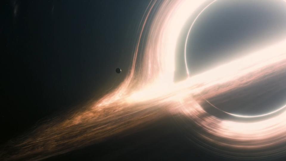 عکسهای سیاهچاله نشان میدهند فیلم Interstellar از کریستوفر نولان چندان دور از واقعیت نبود
