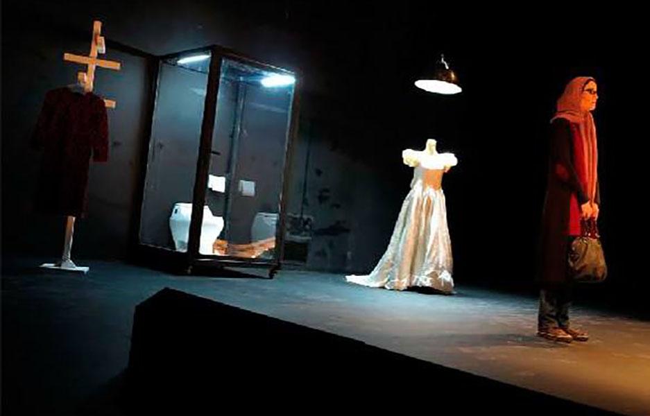 بررسی فیلم تئاتر بیست و یکبار مردن در سی روز: یک ملاقات عجیب