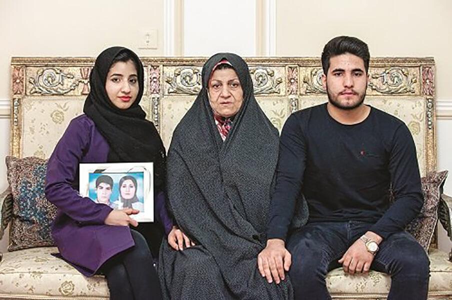 اعظم محسنیدوست مادر فائزه و شهاب