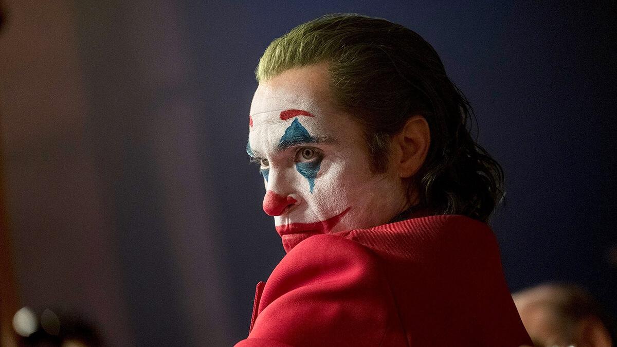 بررسی فیلم جوکر Joker - فیلمی که تماشاچیانش را متحیر کرده است