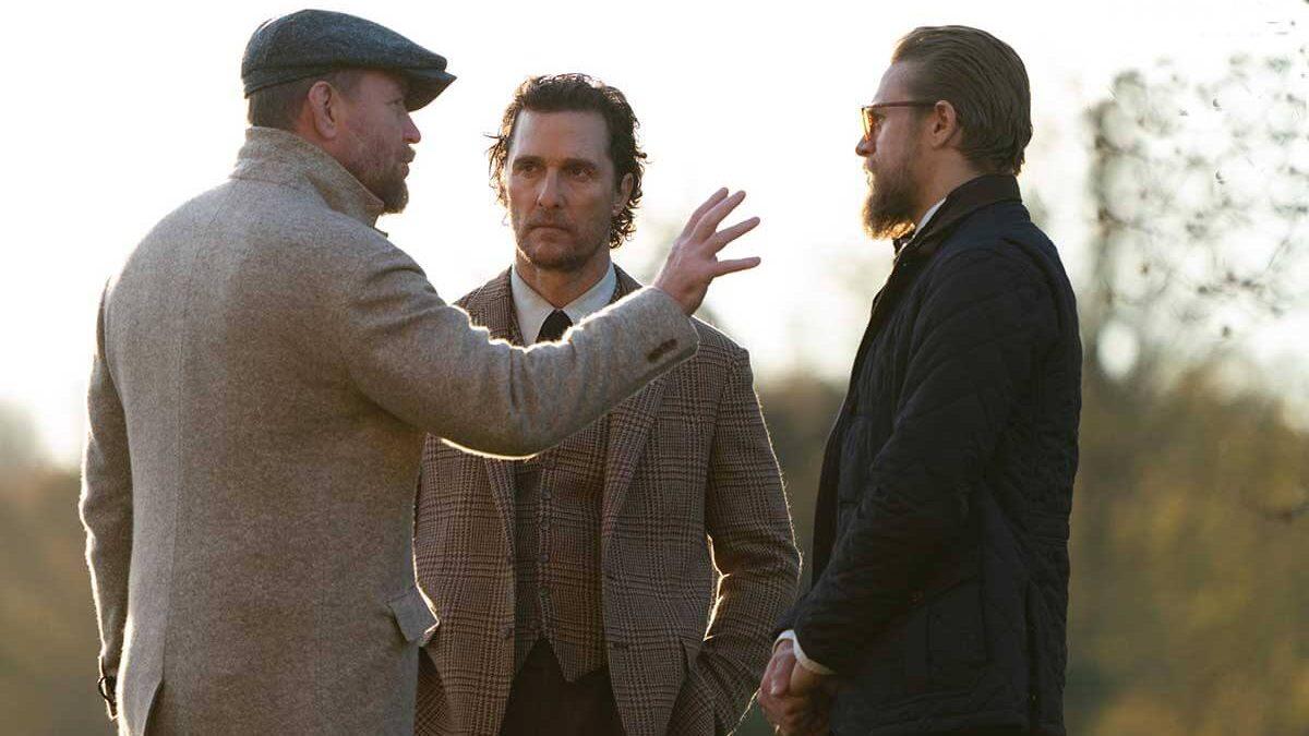متیو مککانهی و هیو گرنت در فیلم گانگستری بریتانیایی، The Gentleman
