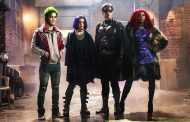 تایتانها Titans - نقطهای میان کمیکهای مخصوص نوجوانان و سریالهای مخصوص بزرگسالان