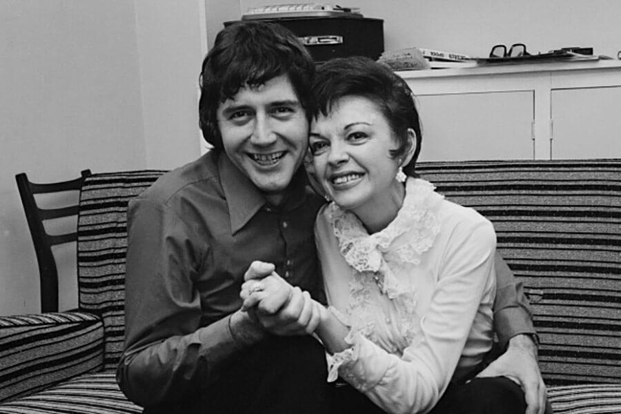 جودی گارلند و همسر آخرش میکی دینس