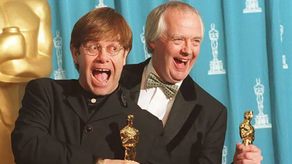 اسکار التون جان برای انیمیشن شیرشاه