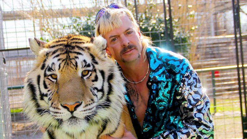 نقد سریال ببر پادشاه: قتل ضرب وشتم و جنون Tiger King: Murder Mayhem and Madness