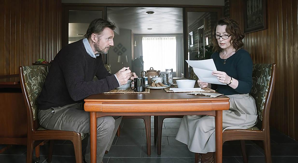 نقد فیلم عشق معمولی Ordinary Love – درامی عاشقانه و تاثیرگذار