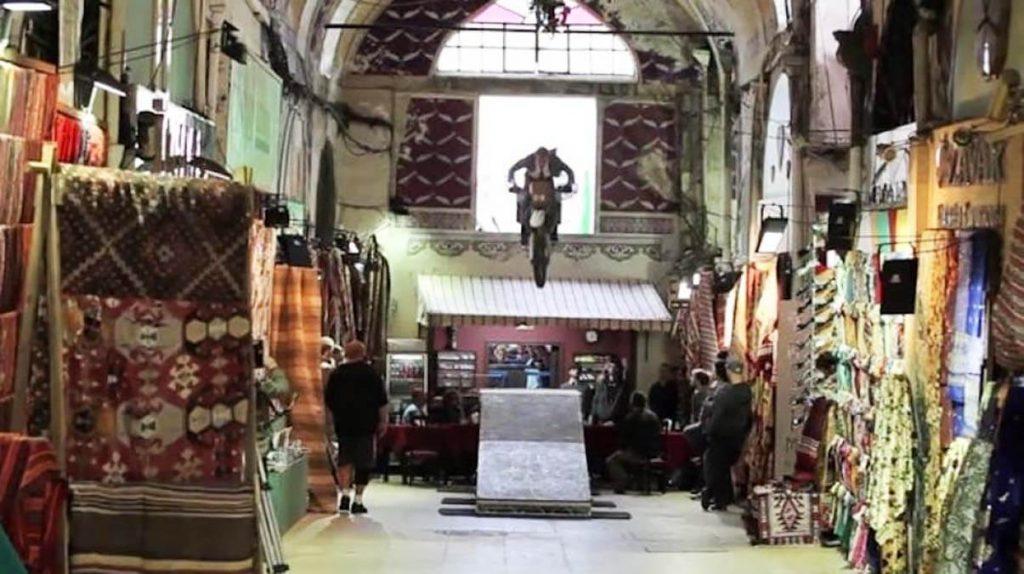 اسکایفال مغازه ۳۳۰ ساله در بازار بزرگ