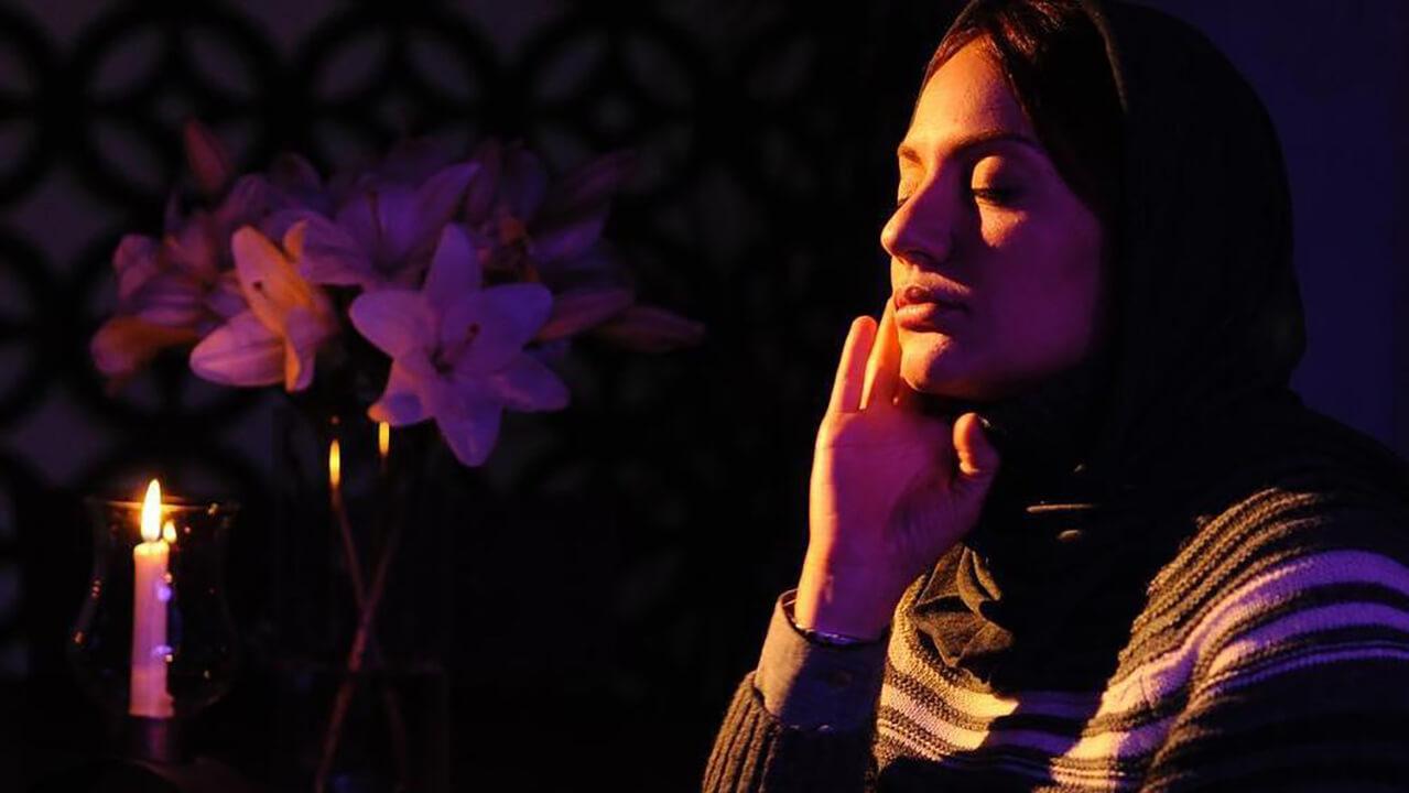 نقد و بررسی فیلم گیلدا- کافه خیال