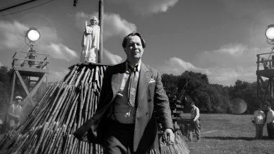 نقد و بررسی منک Mank ـ دیوید فینچر وجدان سیاسی هالیوود را در منک پیدا میکند