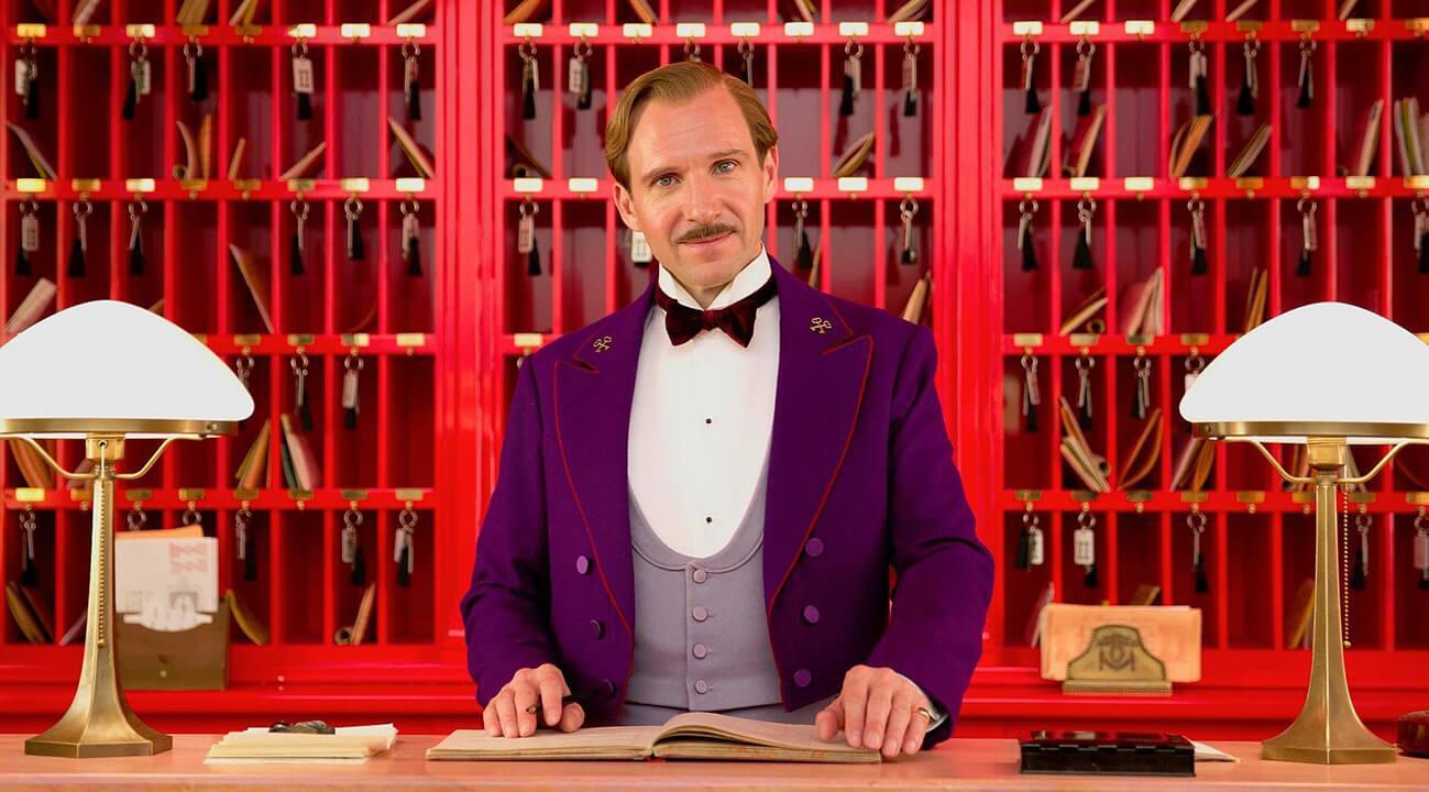 مروری بر فیلم هتل بزرگ بوداپست The Grand Budapest Hotel – یک شگفتی عمیقا لذت بخش