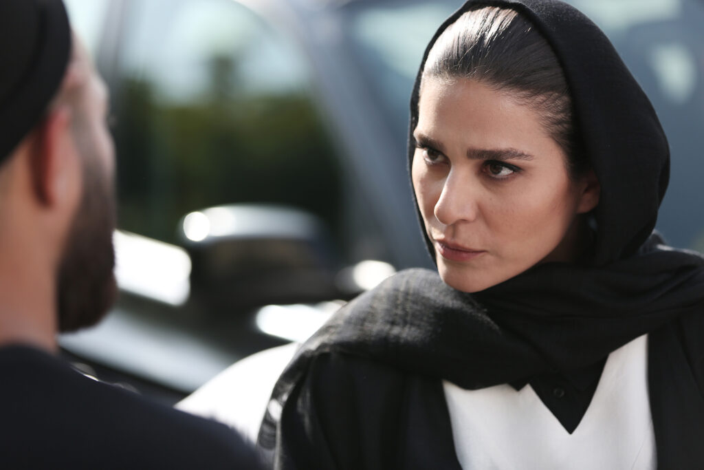 پلک زدن سر چهار راه / درباره بازی سحر دولتشاهی در سریال «قورباغه»