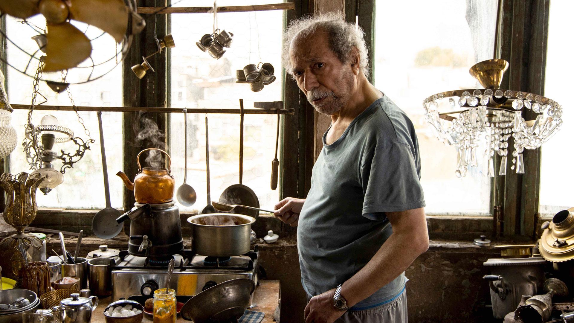 ردپای بازیگری بزرگ در نقشی کوتاه / درباره بازی علی نصیریان در «خورشید»
